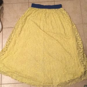 Lularoe bright yellow Lucy Skirt small